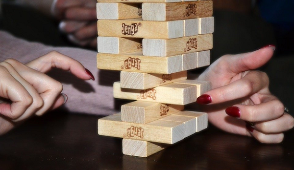 What are the official rules of Jenga